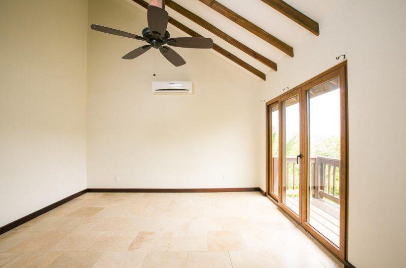 ceiba-hills-guest-room