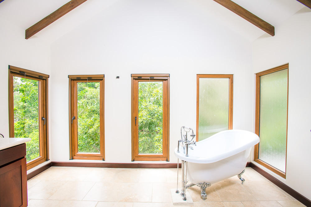 ceiba-hills-master-bath