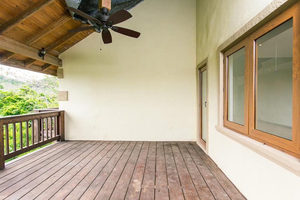 ceiba-hills-porch