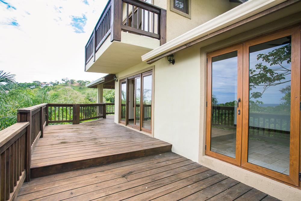 ceiba-hills-sun-deck